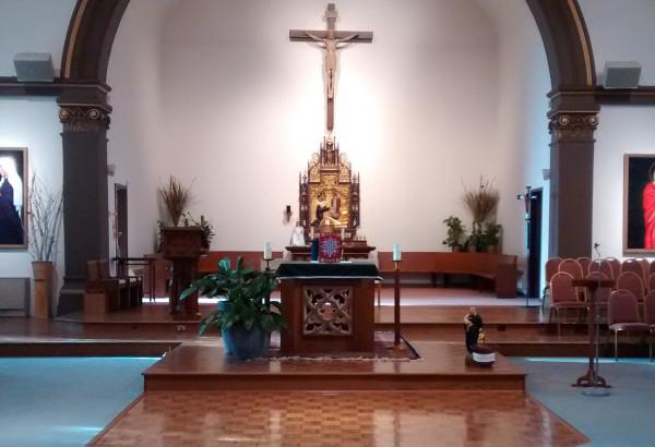 Holy-Rosary-Altar